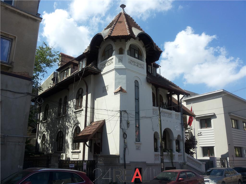 Vila de vanzare in proximitatea Palatului Victoria