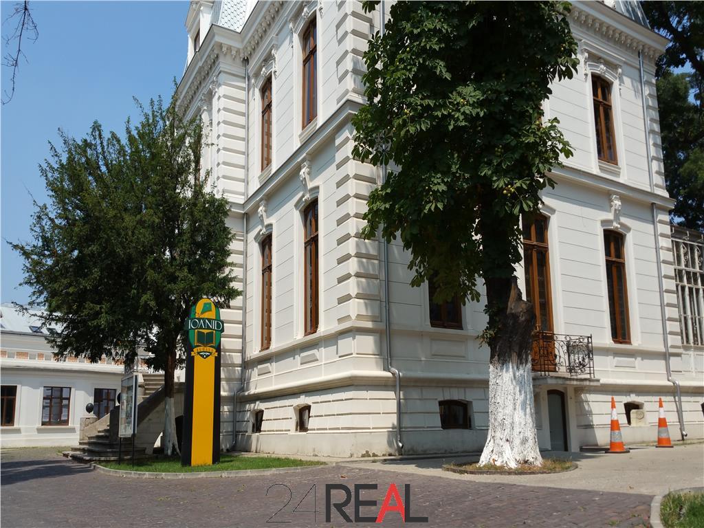 Vila de vanzare - ultracentral - inchiriata pana in 2023