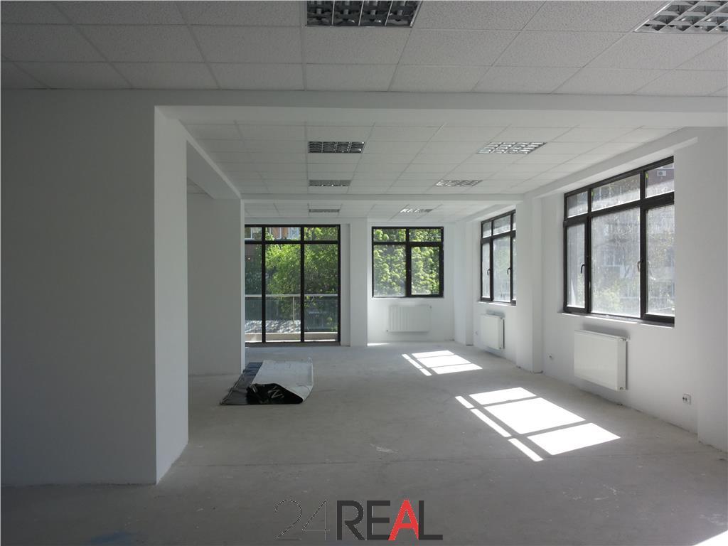 Vanzare cladire de birouri inchiriata - Campia Libertatii