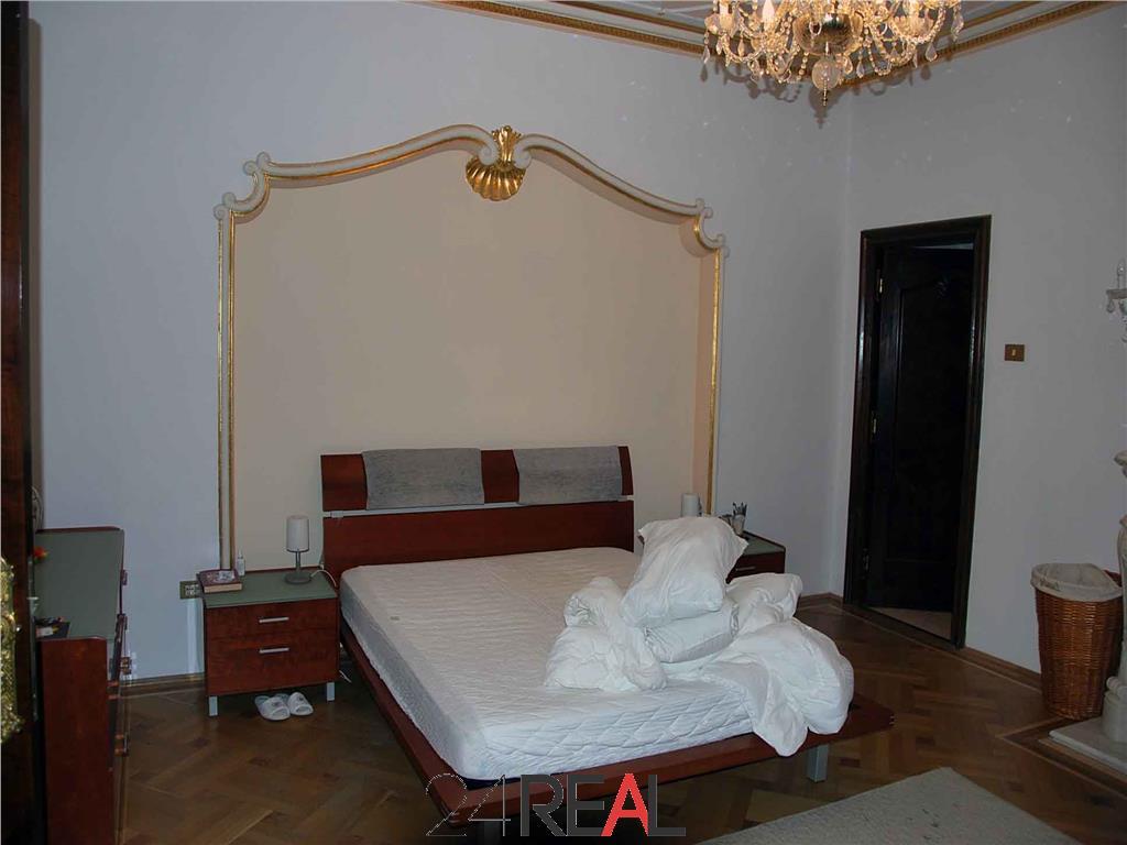 Vanzare Spatiu pentru birou sau rezidenta - vila zona Capitale
