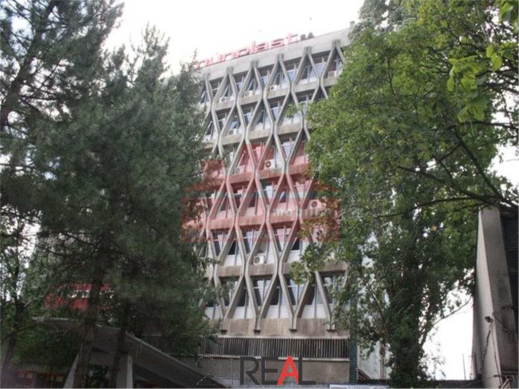 Cladire birouri 4000 mp + teren 5685 mp de vanzare 1 Mai - Moghioros