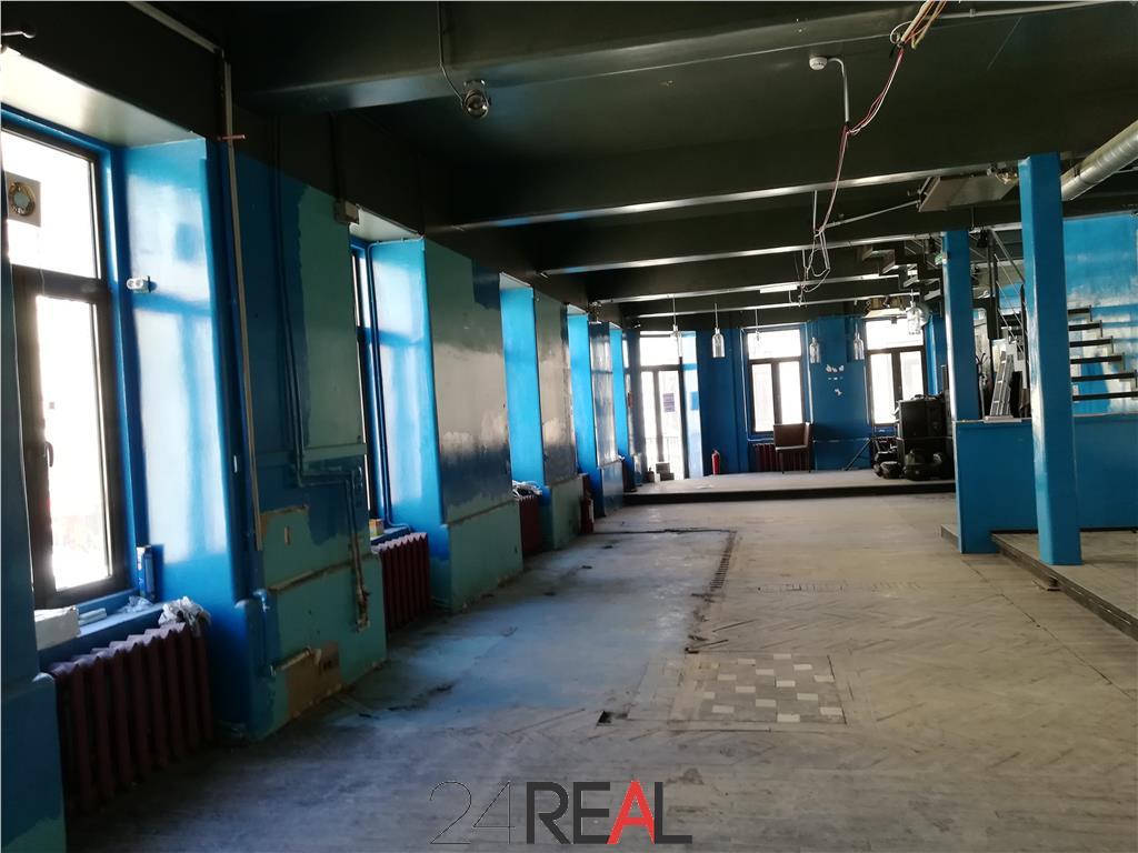 Spatiu comercial Centrul Vechi etaj 1 + mansarda - indisponibil