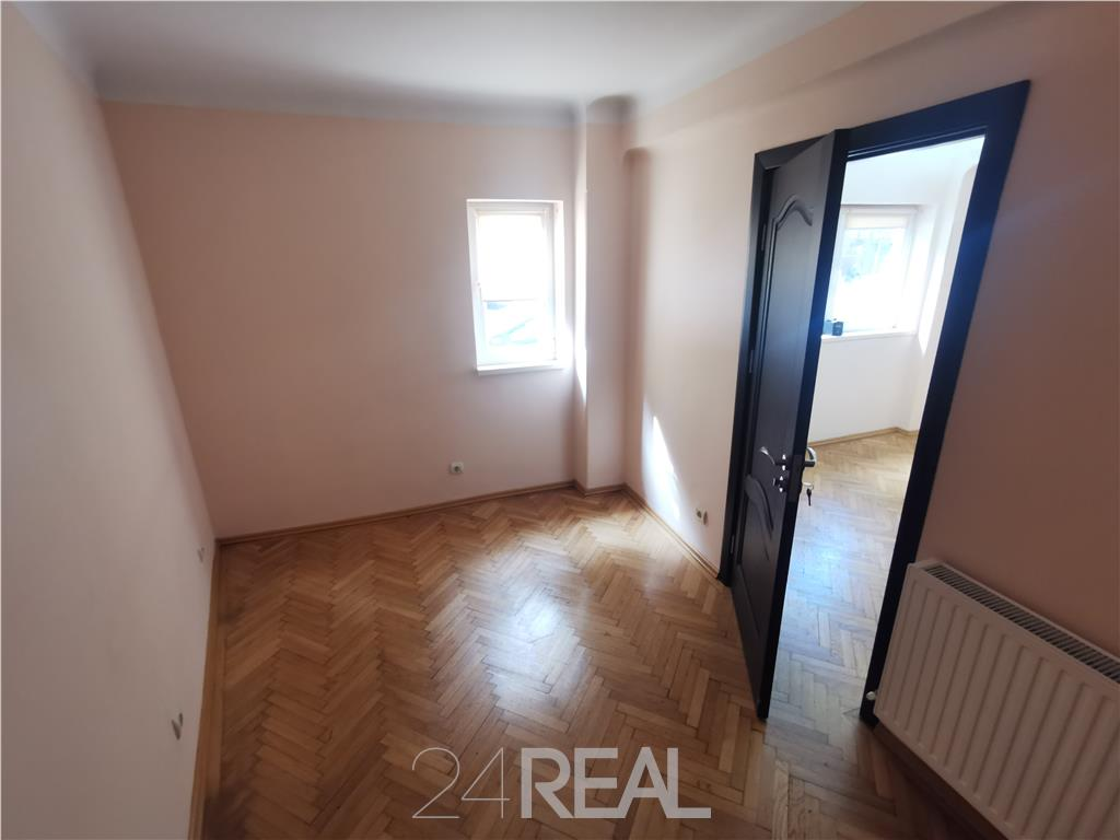 Apartament la parter - birouri, cabinet medical, avocat - 430 Eur