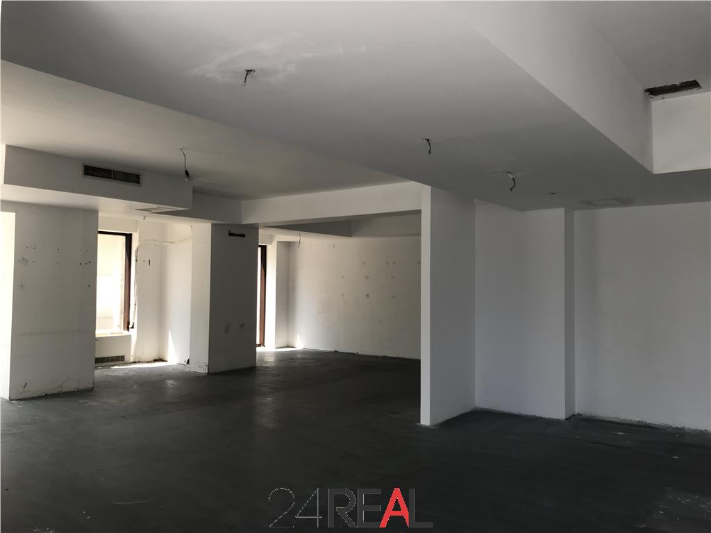 Vanzare spatiu comercial showroom birouri 258 mp + 135 mp terasa