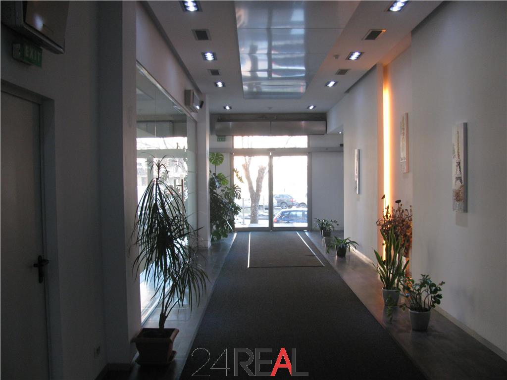 Cladire de birouri de vanzare - zona 13 septembrie