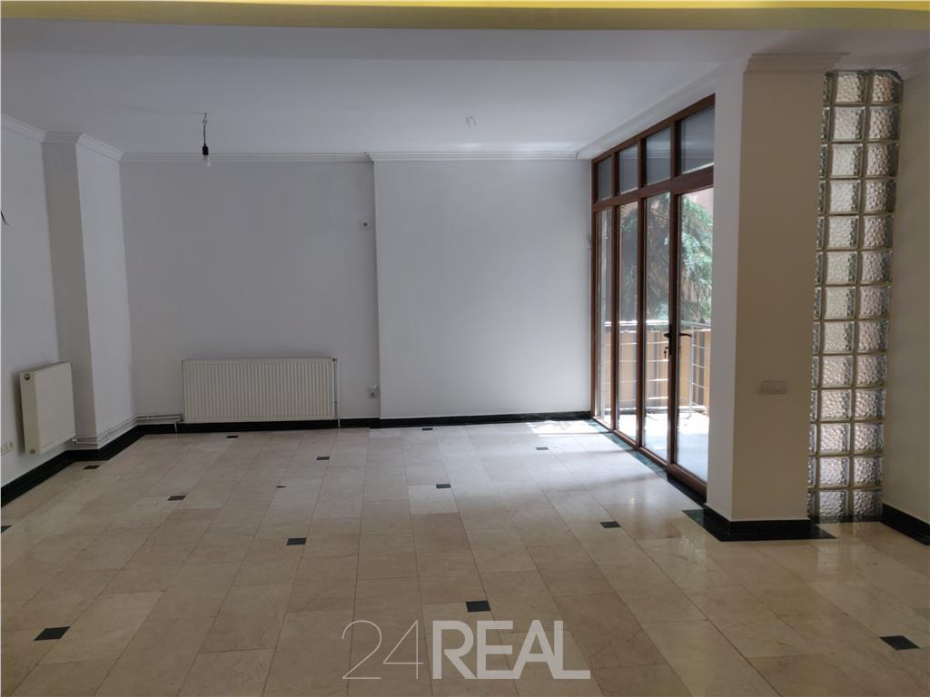 Inchiriere spatiu showroom sau birouri - parter - 88 mp
