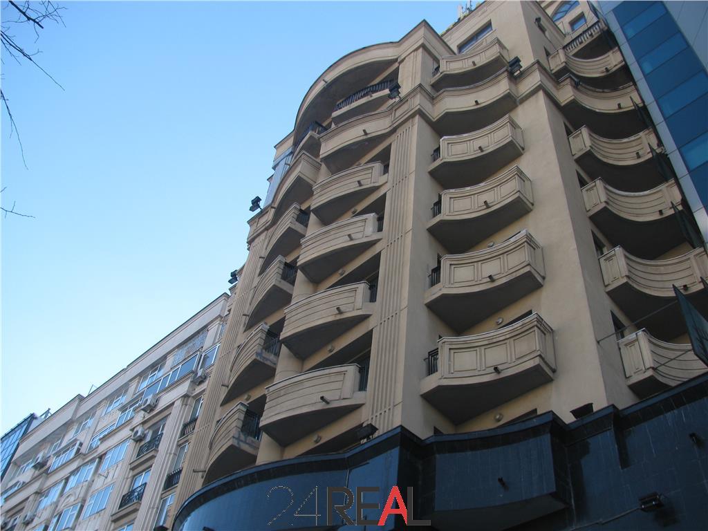 De Vanzare Imobil si proiect aparthotel pe Bulevardul Unirii