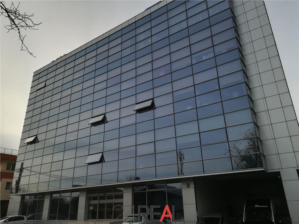 Cladire de birouri + depozitare de vanzare Yield 7%