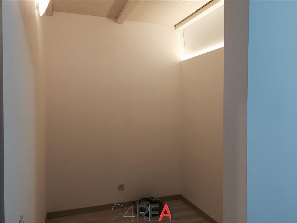 Apartament la parter pretabil birouri