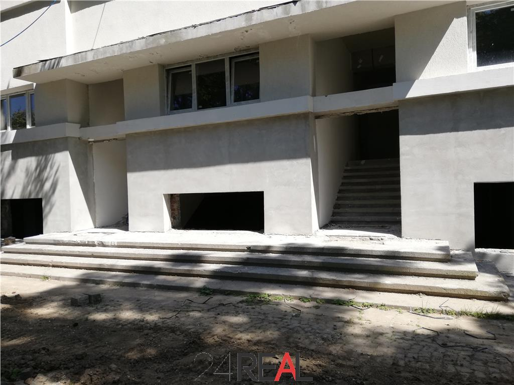 Spatii de birouri in Piata Charles de Gaulle - disponibil doar parter