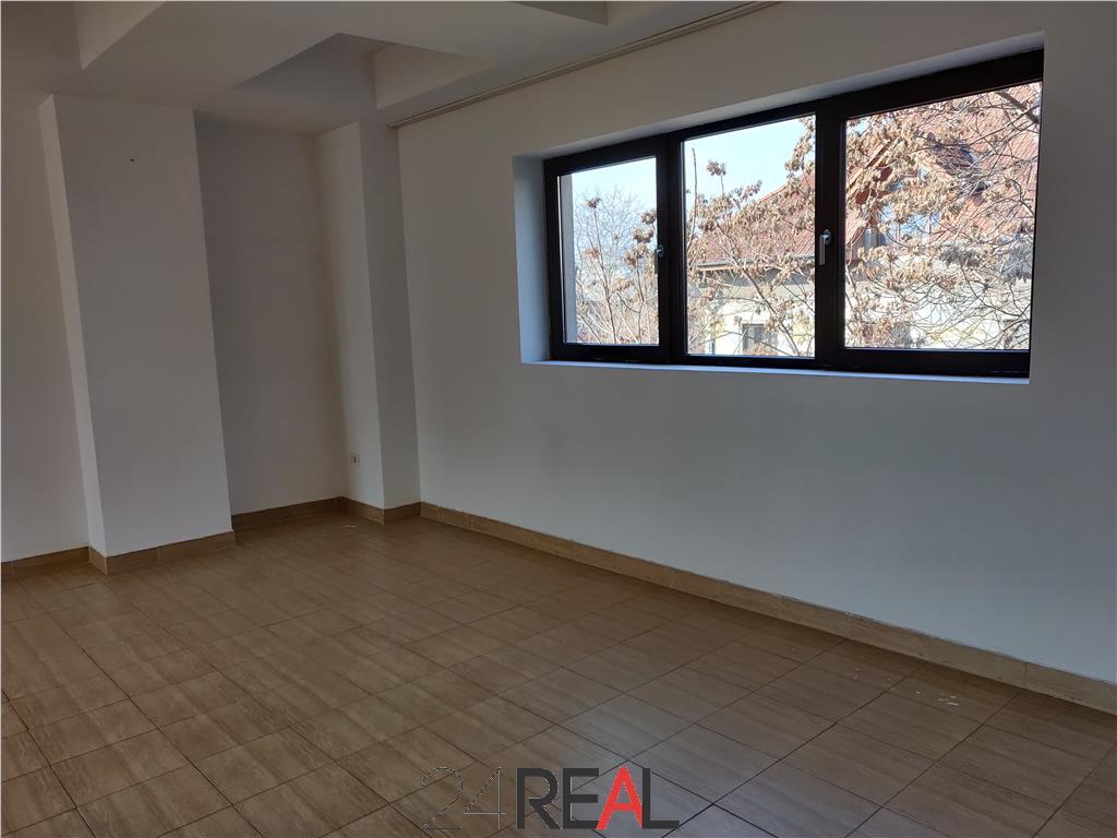 Inchiriere spatiu pentru birouri sau clinica - 340 mp - zona Eminescu
