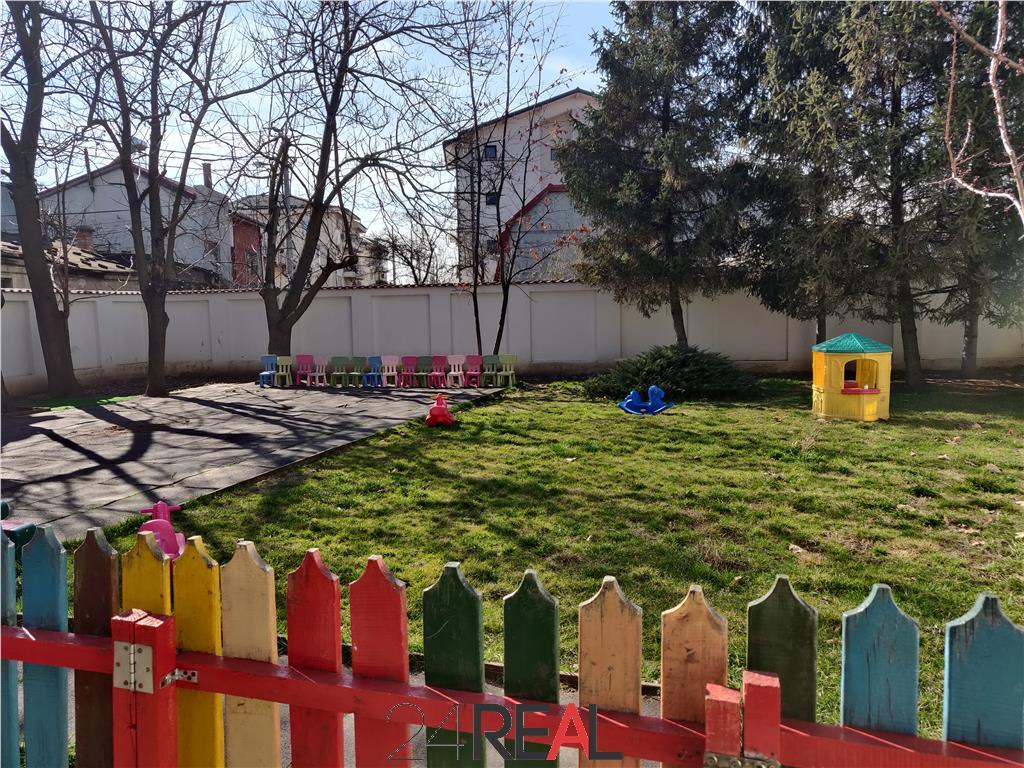 Vila de vanzare pretabila pentru rezidenta/birouri/gradinita