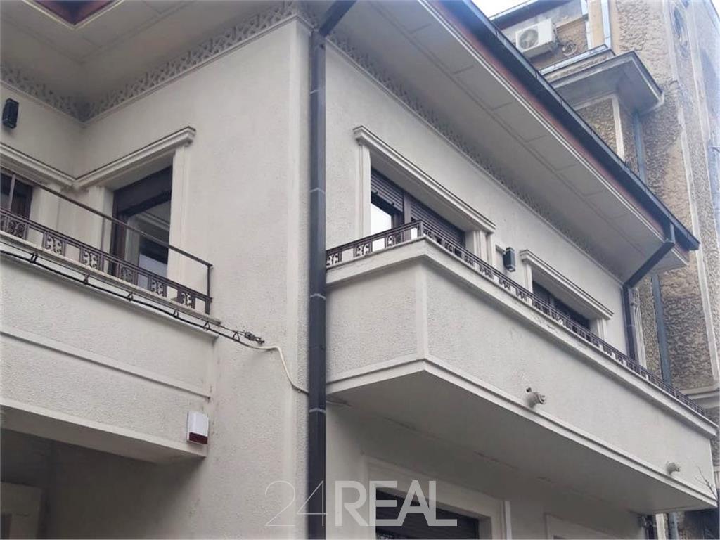 Vila de inchiriat - 360 mp pretabila birouri, clinica, restaurant.