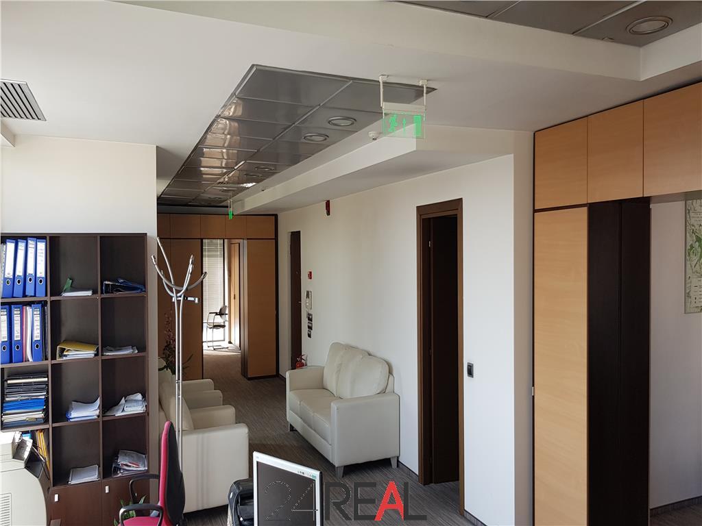 Spatiu pentru birouri 245 mp + 200 mp terasa