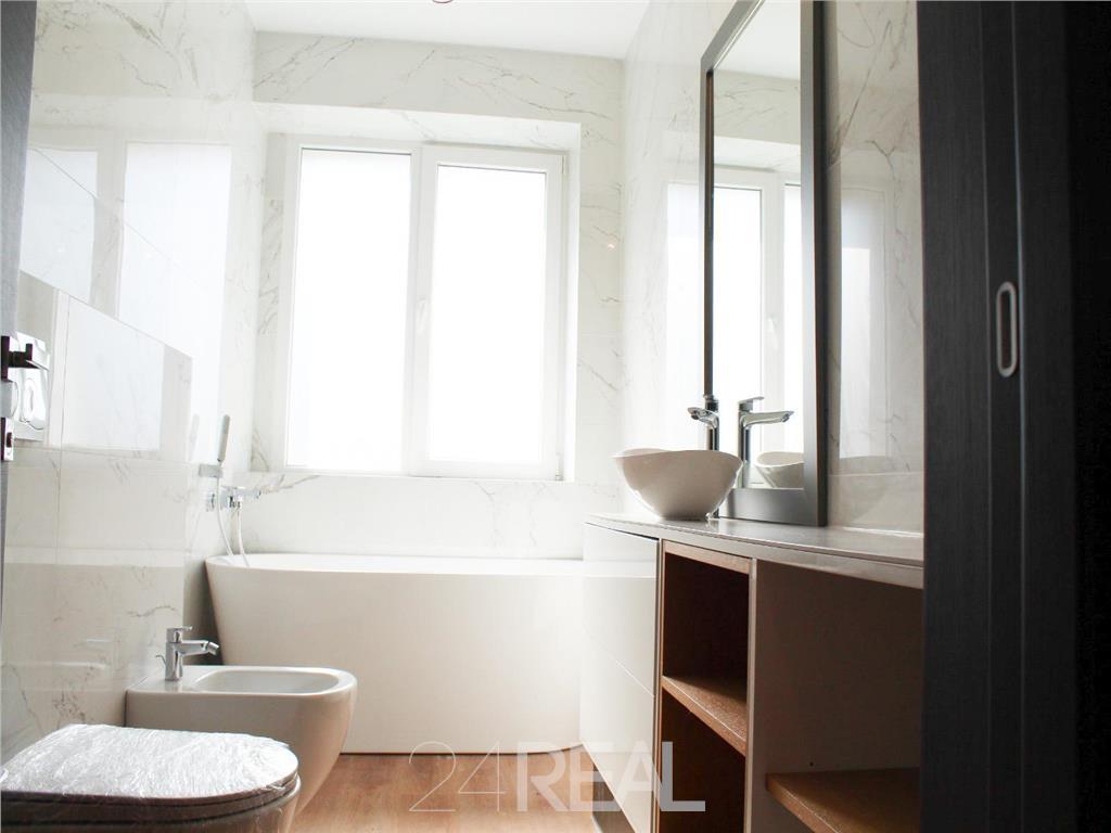 Apartament 3 camere - Ultracentral - Universitate - Foarte Spatios