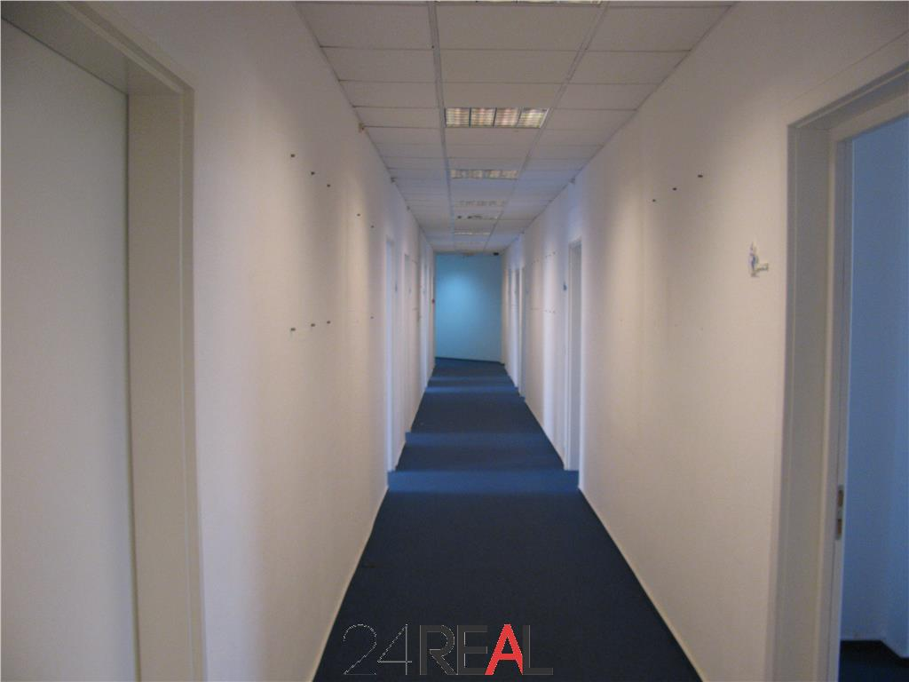 Centru de business multifunctional - inchirieri birouri de la 30 mp