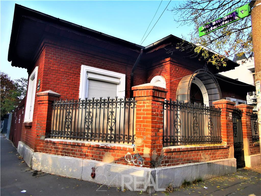 Casa Monument Istoric - 50 mp util
