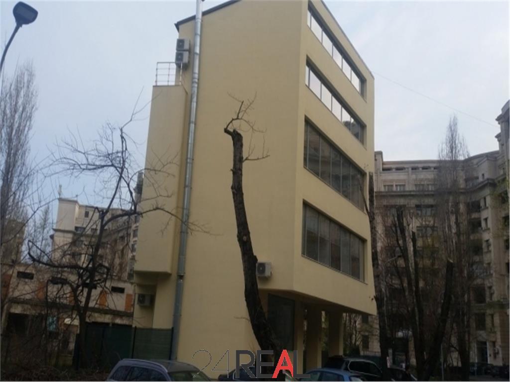 Cladire de birouri de inchiriat 600 mp - Natiunile Unite