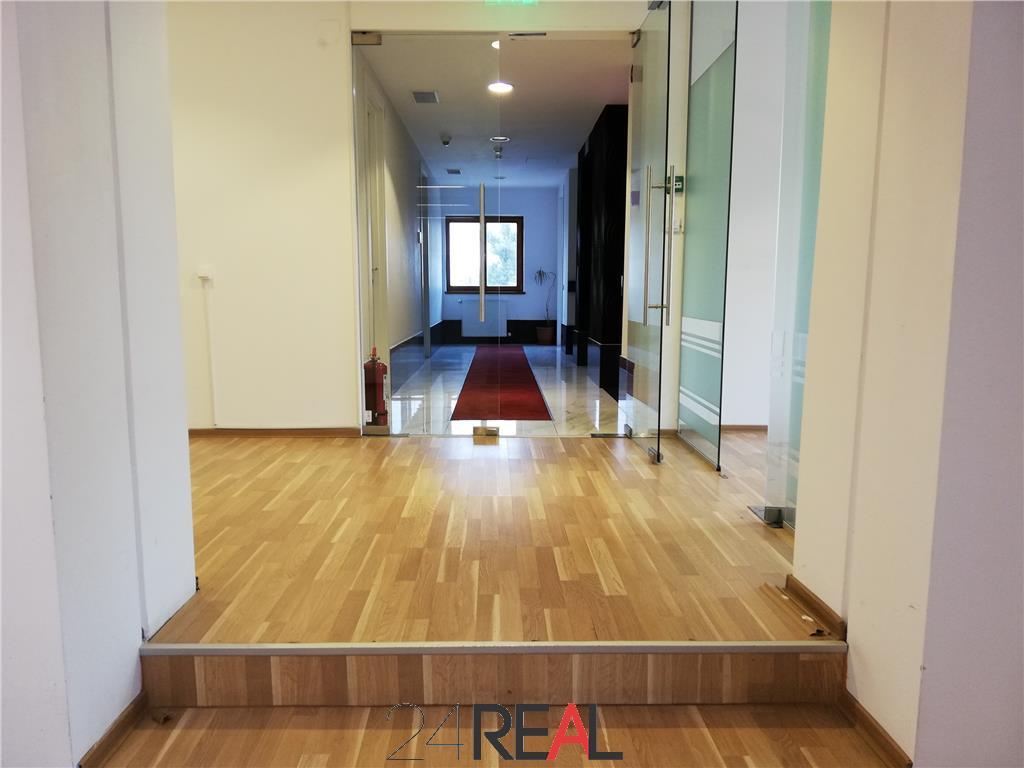 Spatii pentru birouri in cladire recent renovata - mentenanta inclusa