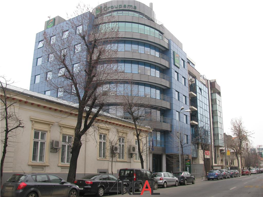 Spatii de birouri/showroom/clinica - Polona metrou Romana