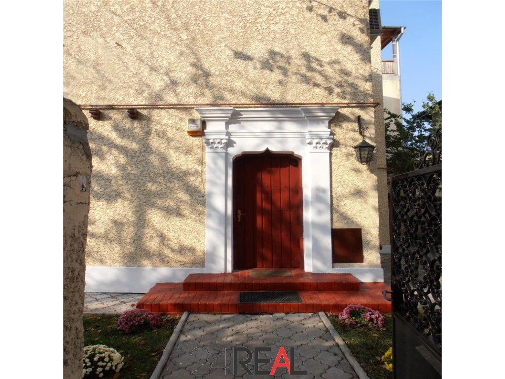 Vanzare vila in zona superba  - Primaverii - VANDUTA