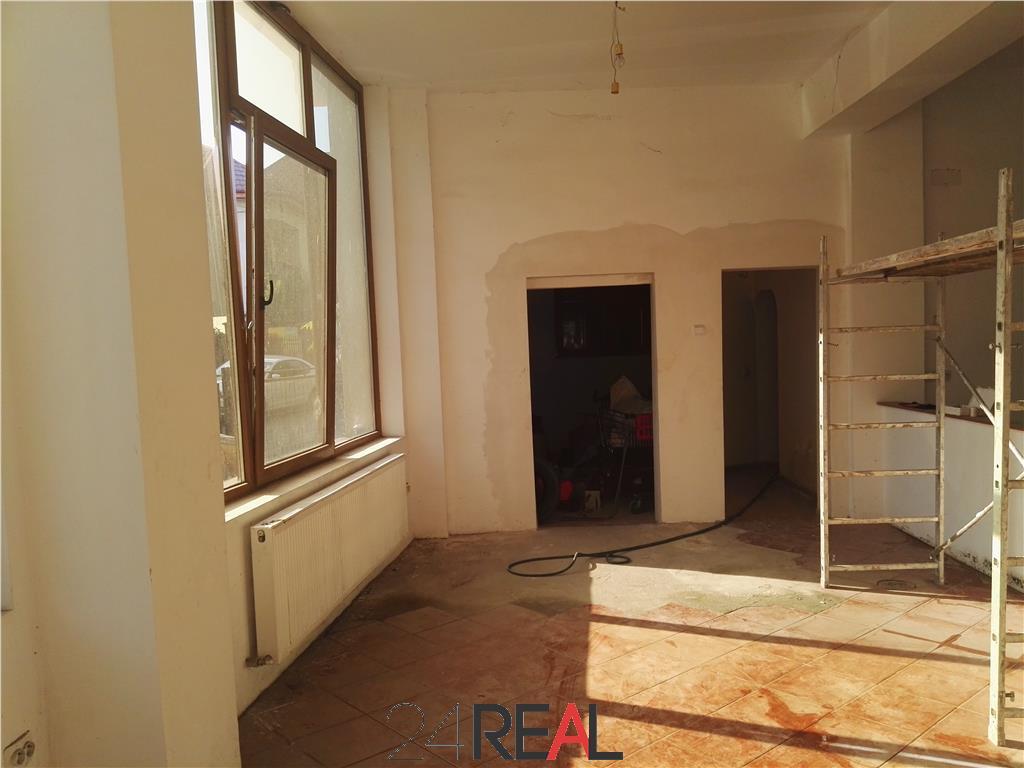 Vila de vanzare, pretabila sediu de firma/showroom
