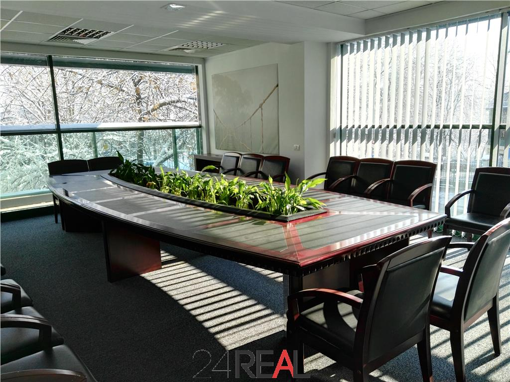 Cladire de birouri inchiriata de vanzare in zona Cismigiu