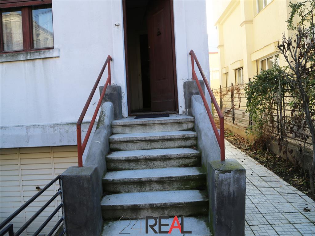 Vila In zona Pietei Dorobanti - de vanzare - pret discutabil