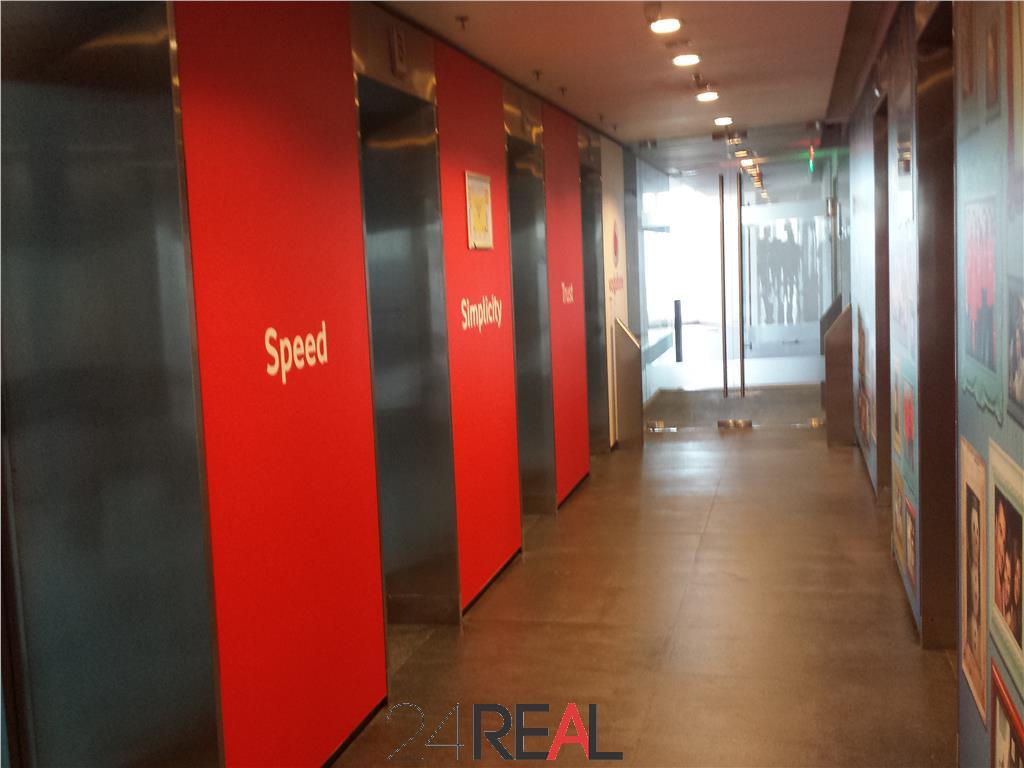 Inchiriere birouri in Charles de Gaulle Plaza