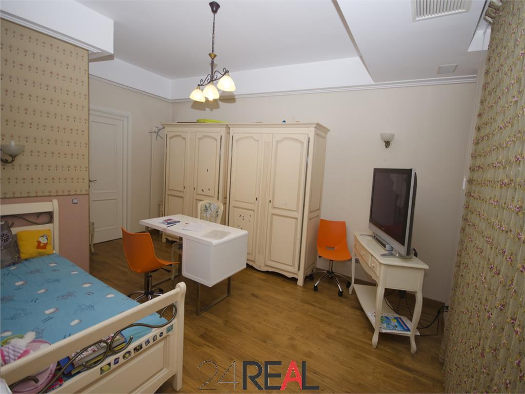 Vila superba de vanzare, pretabila rezidenta/birouri