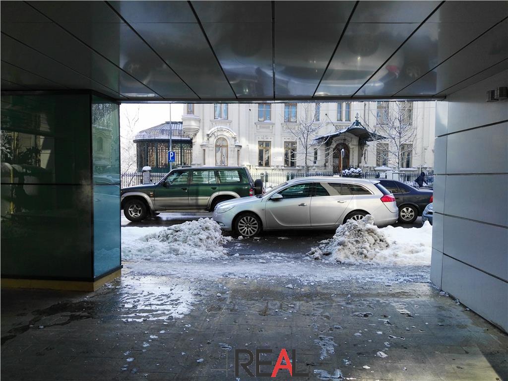Cladire de inchiriat cu depozitare si 25 locuri de parcare incluse
