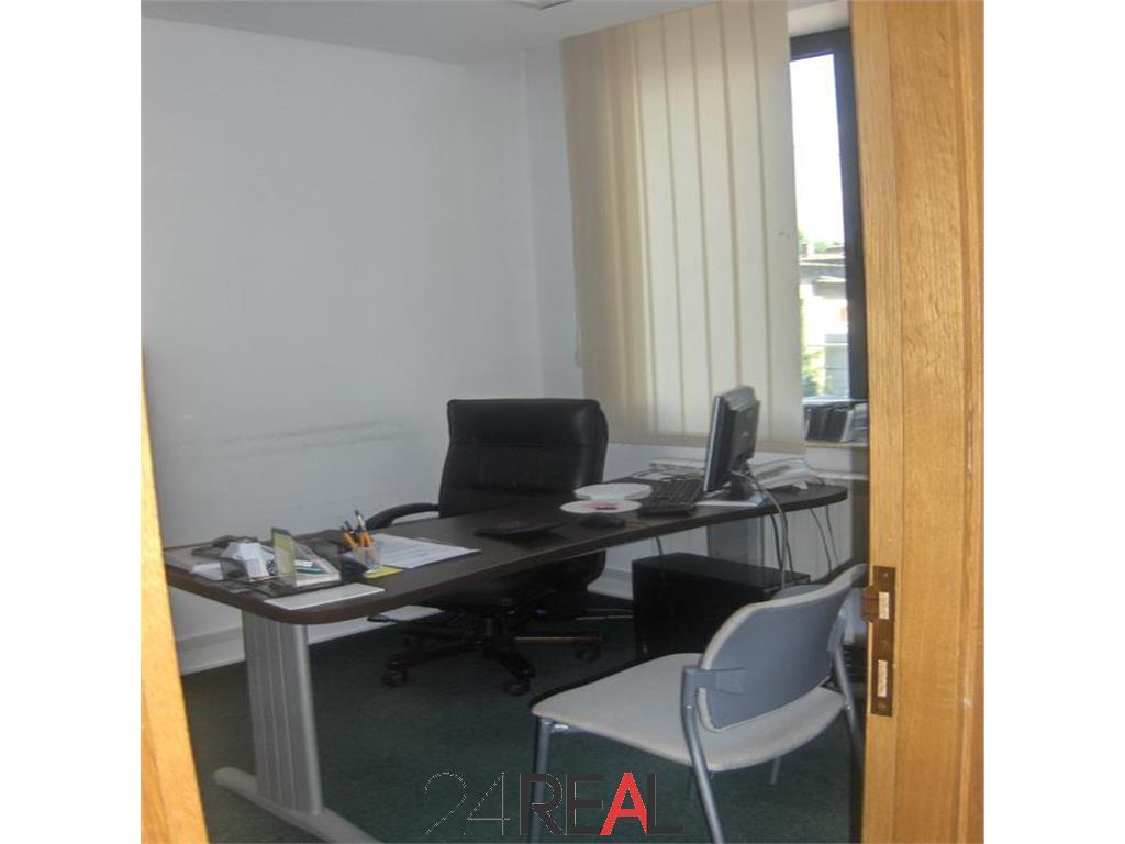 Inchiriere cladire de birouri individuala