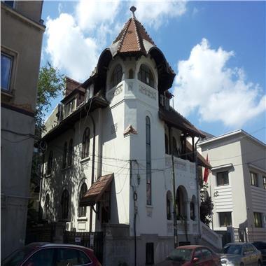 Vila inchiriata, de vanzare, in proximitatea Palatului Victoria