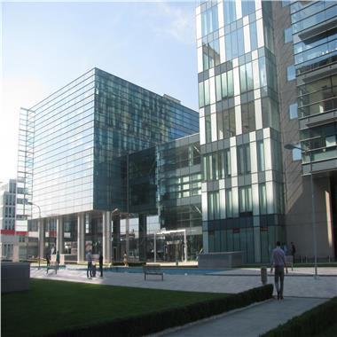 Global City Business Park - de la 196 mp
