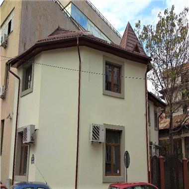 Vila renovata de inchiriat