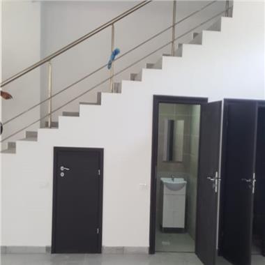 Cladire de birouri - pretabil clinica, supermarket, showroom