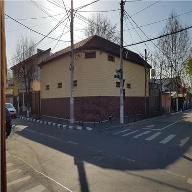 Casa de vanzare - 288 mp utili - zona Andronache - super pret!