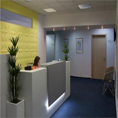 Birouri mobilate cu servicii incluse pentru 20 posturi de lucru