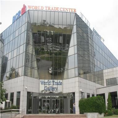 Centru de business multifunctional - inchirieri birouri de la 29.3 mp