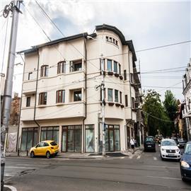 Vanzare imobil recent renovat, pretabil pentru clinica, birouri, hotel