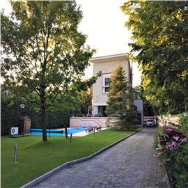 Vila cu piscina in zona  - Iancu Nicolae - Lidl ( teren 1500 Mp)