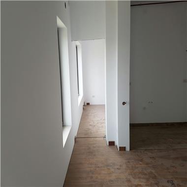 Inchirieri spatii pentru birouri - Regie, de la 400 euro/ 60 mp