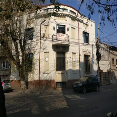 Inchiriere birouri in vila D+P 250 mp si Et.2 + M 200 mp