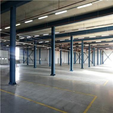 Inchiriere Spatii depozitare/productie - 638mp si 1200 mp