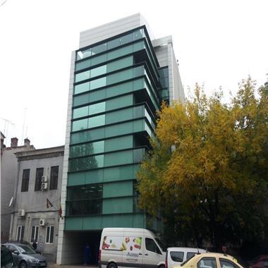 Cladire de birouri de vanzare in zona Cismigiu
